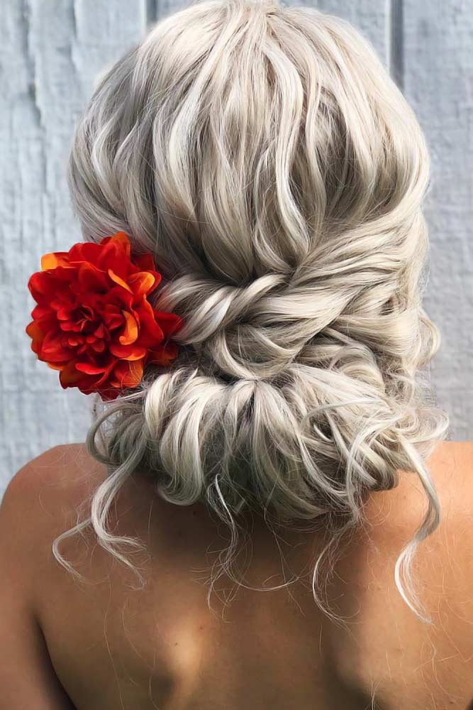 Chignon Bun Twist With Flowers #bun #chignonbun #updo