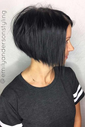 Short Straight Inverted Haircut picture3