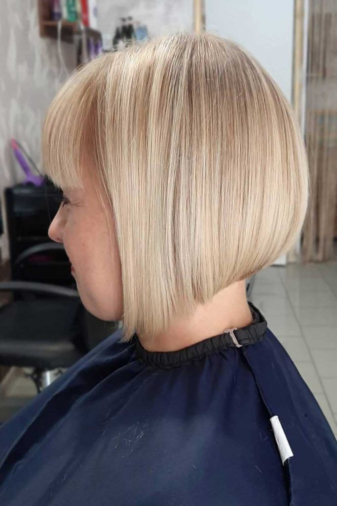 Short Straight Inverted Haircut Blonde #invertedbob #bob
