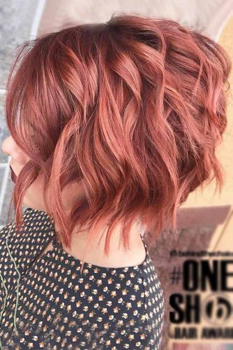 Wavy Medium Length Inverted Bob picture2