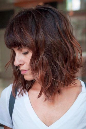 Inverted Bob With Bangs And Layers #invertedbob #layeredhair #bobwithbangs #sidesweptbangs
