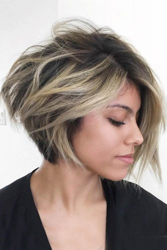Wavy Short Inverted Bob Haircuts picture2
