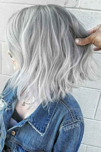 Upside Down Bob Hairstyle #invertedbob #wavybob #silverhair