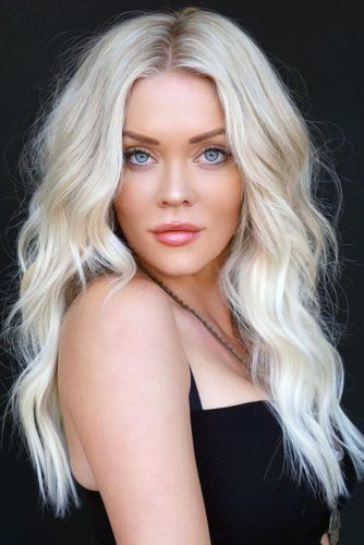 Center Parted Wavy Long Haircuts Blonde #longhair #longhaircuts