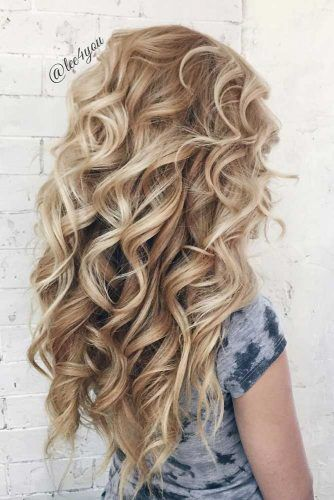 Blonde Curly Long Hair #longhaircuts #haircuts