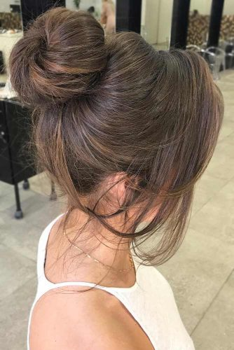 Best Messy Buns Hairstyles for Special Occasion picture3