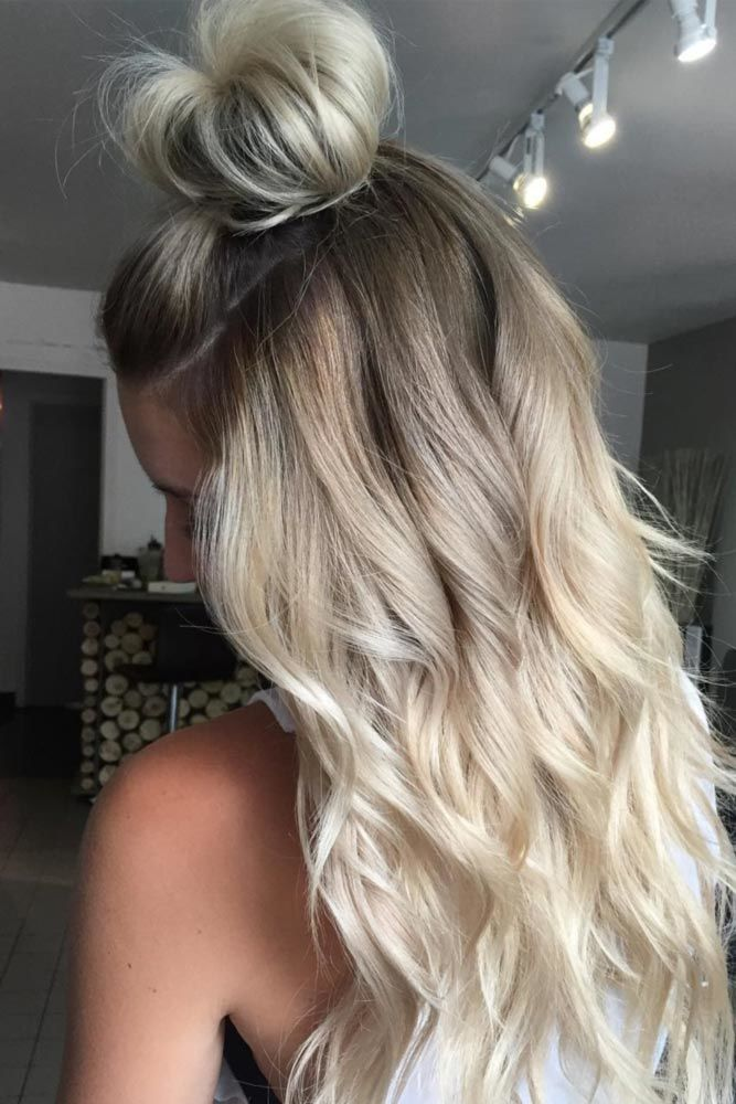 Half-Up Chic Hair Long Waves Blonde #wavyhair #wavyhairstyles #wavyhaircuts