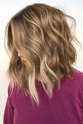A line Shoulder Length Wavy Hairstyles #wavyhair #hairstyles #hairtypes #bobhairstyles