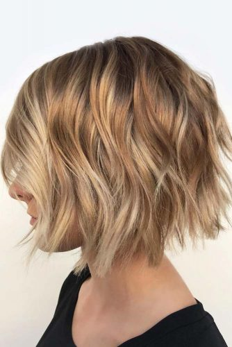 Layered Wavy Bob Styles #wavyhair #hairstyles #hairtypes #bobhairstyles