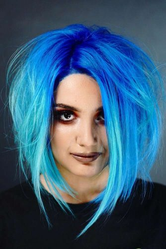 Lob With Blue Shades For Emo Girls #emohair #hairstyles #bluehair #longbob