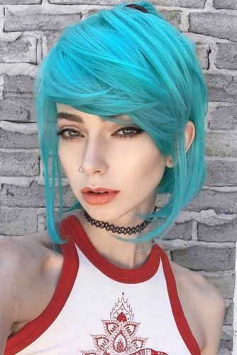 Emo Hairstyles With Green Shades picture2
