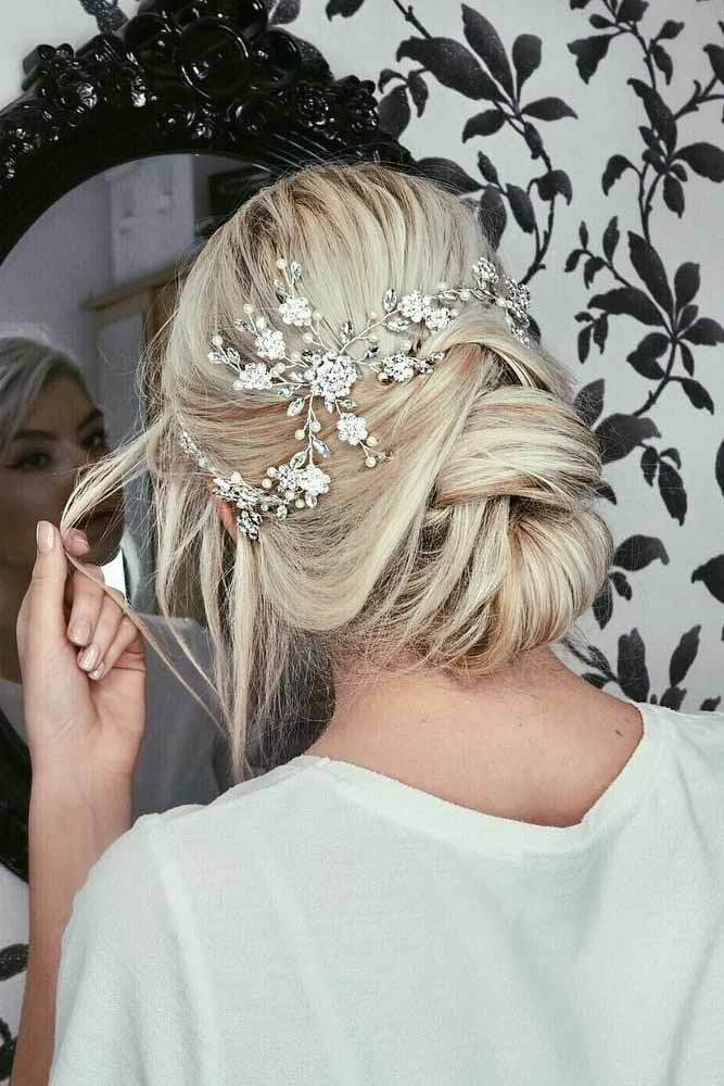 Bun Hairstyles For Prom Night Twisted #promhairstyles #promhair