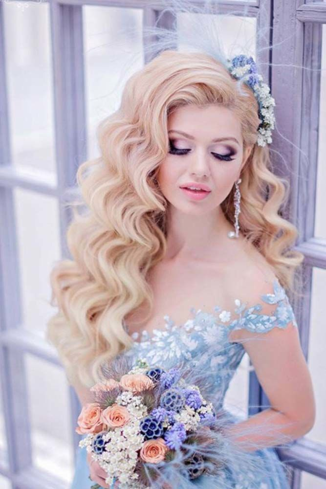 Charming Waves Blonde #promhairstyles #promhair