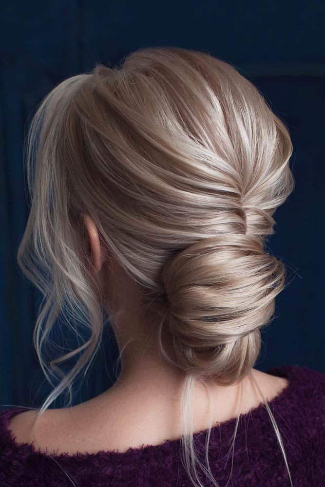 Loose Romantic Prom Hairstyles Updos Bun #promhairstyles #promhair