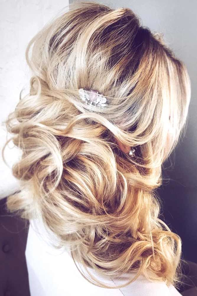 Clipped Long Prom Hairstyles Sleek #promhairstyles #promhair