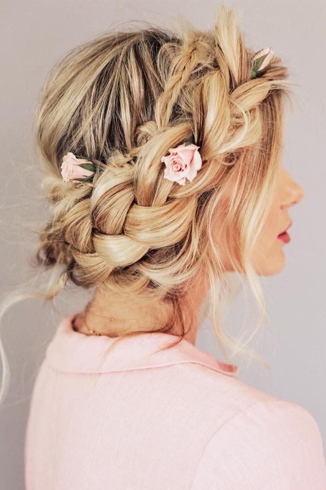 Be The Real Queen With A Braided Crown Roses #promhairstyles #promhair