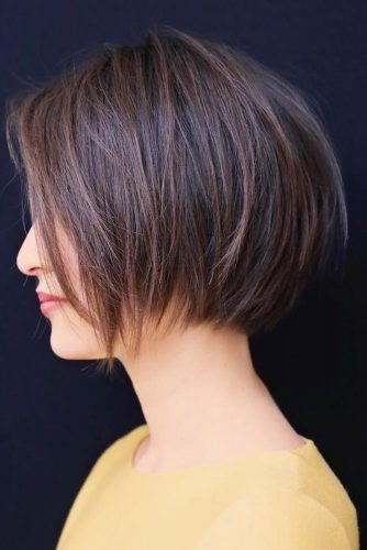 Brown Short Bob Layered Hair #shortbob #shortbobhairstyles #shorthairstyles #hairstyles #brownhair