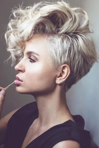 Asymmetry is the Best Choice Wavy #blondehair #wavyhair #pixie