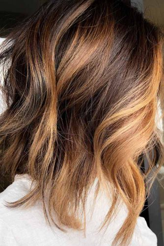Wavy A line Shoulder Length Haircuts #shoulderlengthharcuts #haircuts #mediumhair