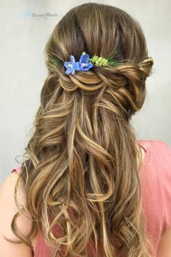 Wedding Hairstyles With Flower Accessories And Braid #floralhairstyle #longhair #floralpin #braidedhairstyle