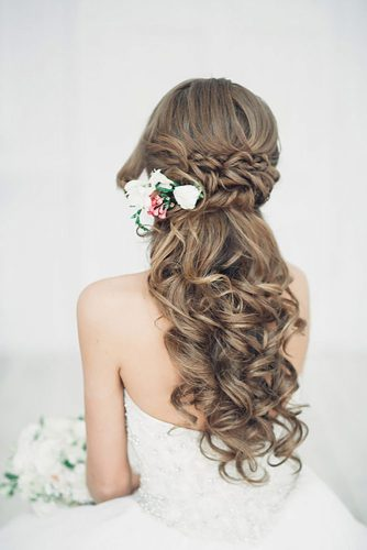 Wedding Hairstyles With Flower Accessories picture 2