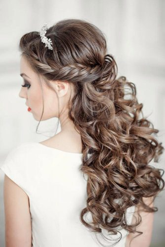 Half Up Half Down Hairstyles With Charming Accessories picture 4