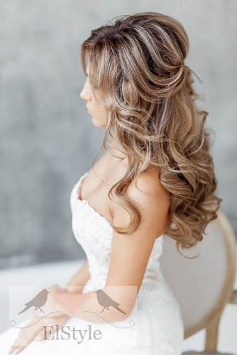 Mind Blowing Half Up Half Down Bridal Hair picture 4