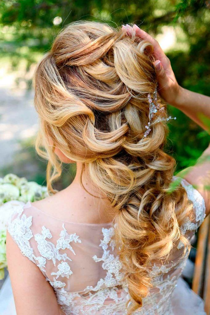 Half Up Half Down Hairstyles With Charming Accessories For Blonds