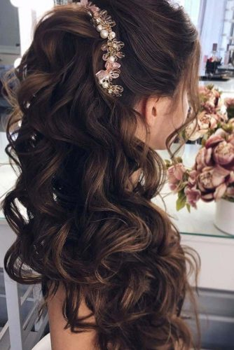 Half Up Half Down Hairstyles With Charming Accessories picture 6