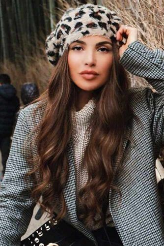 Evening-Ready Berets Wavy Style #hairaccessories #beret