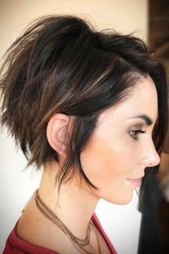 Messy Side Swept Pixie Bob #pixiebob #haircuts #hairstyles