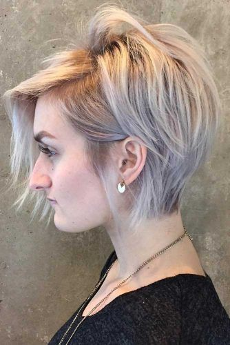Messy Layered Side Swept Pixie Bob #pixiebob #haircuts #hairstyles