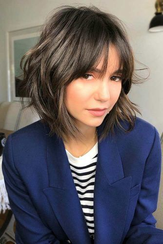 Messy Bobs With Bang #haircutsforroundfaces #haircuts #roundfaces #bobhaircuts