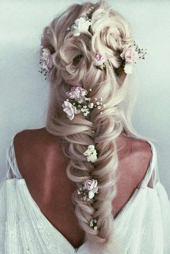 Gorgeous Wedding Hairstyles With Accessories Flowers #weddinghairstyles #hairstyles #bohostyle