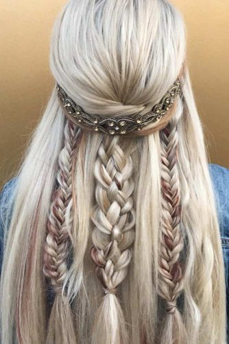 Wedding Hairstyles With Fabulous Bohemian Accessories Braided Half Up Half Down #halfuphalfdown #braids #bridalaccessory #bohostyle