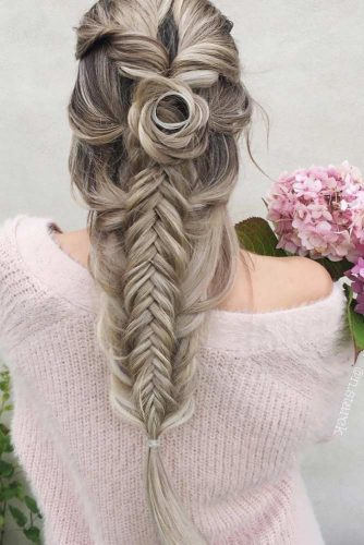 Unique Hairstyle Ideas For Sweet Brides picture 6