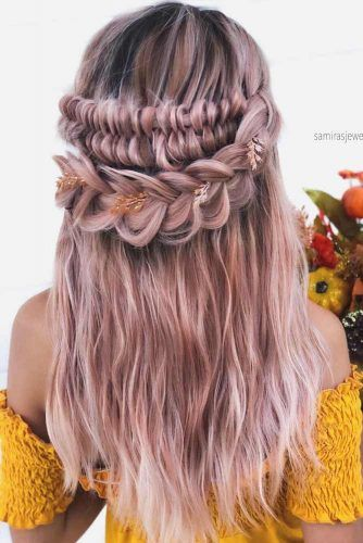 Boho Inspired Half Up Half Down Hairstyles With Accessories #weddinghairstyles #hairstyles #bohostyle