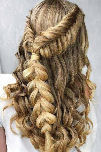 Braided Boho Inspired Half Up Half Down Hairstyles #weddinghairstyles #hairstyles #bohostyle