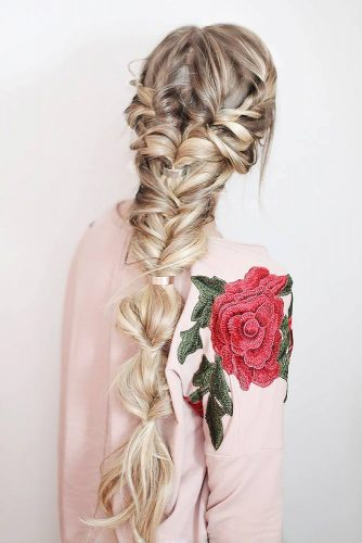 Unique Hairstyle Ideas For Sweet Brides picture 3