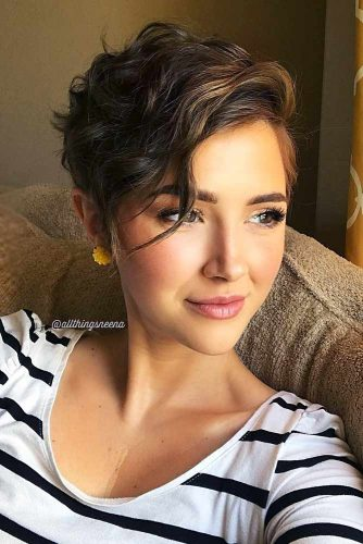 Pixie Hair Cuts For Wavy Hair #pixiehairstyles #pixiecut #shorthair #wavyhair #brownhair
