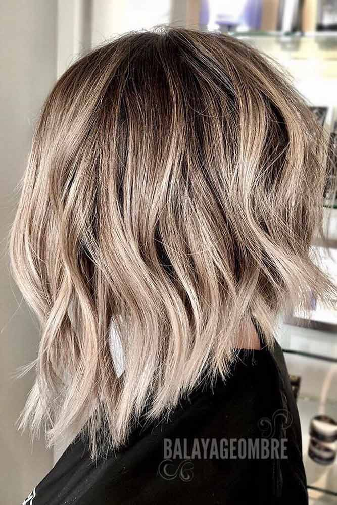 Wavy Inverted Haircut #haircutsforwomen #womenhaircuts #haircuts #invertedhaircut