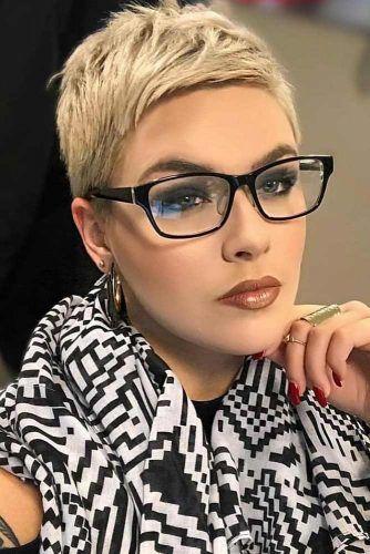 Blonde Short Pixie #haircutsforwomen #womenhaircuts #haircuts #pixiehaircut