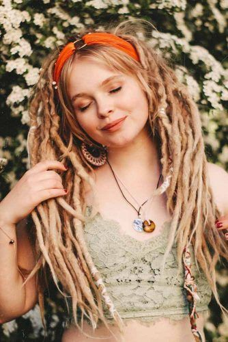 Dreadlocks Hairstyles With Accessories #dreadlocks #dreadlockshairstyles #hairstyles