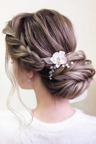 Braided Updos With Flowers #formalhairstyles #hairstyles #updohairstyles