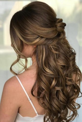 Girly Half Up Half Down With Disobedient Waves To Embrace Your Beauty #halfuphalfdown #longhair #wavyhair