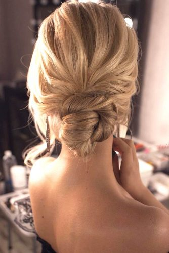 Hairstyles With Knots picture3
