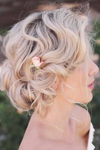 Natural Flowers For Updos Low Bun #updo #bun