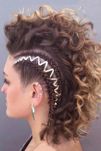 Faux Hawk Updo Hairstyle For Medium Hair #mediumhairstyles #fauxhawk #curlyhair