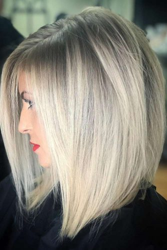 Side Parted Straight Medium Hairstyles #mediumhairstyles #mediumhaircuts #hairstyles #straighthair