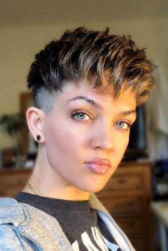 Short Pixie With Undercut #pixiehairstyles #pixiehaircuts #shortpixie #thickhair #undercut